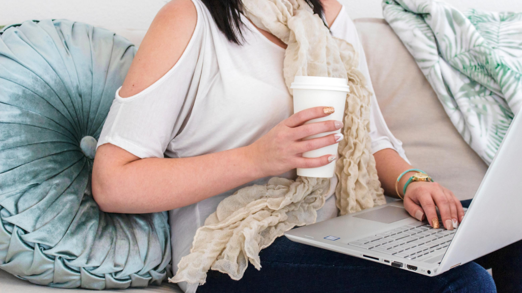 women writing her affiliate focused blog post