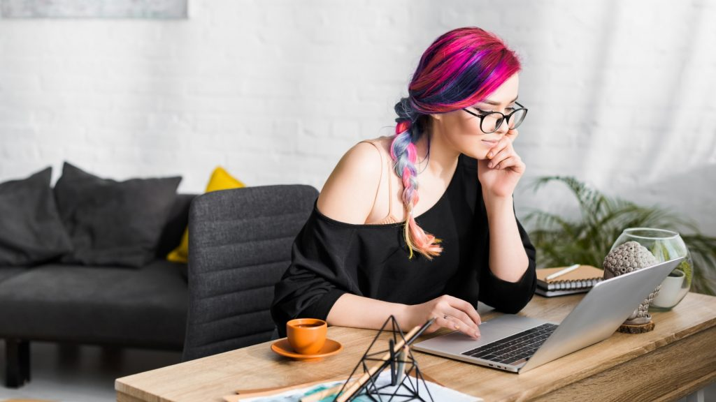 freelance blogger looking for potential freelance blogging clients